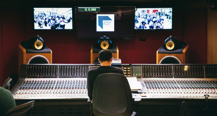 Best Orchestral Movie Soundtracks blog header abbey road studios mixing room